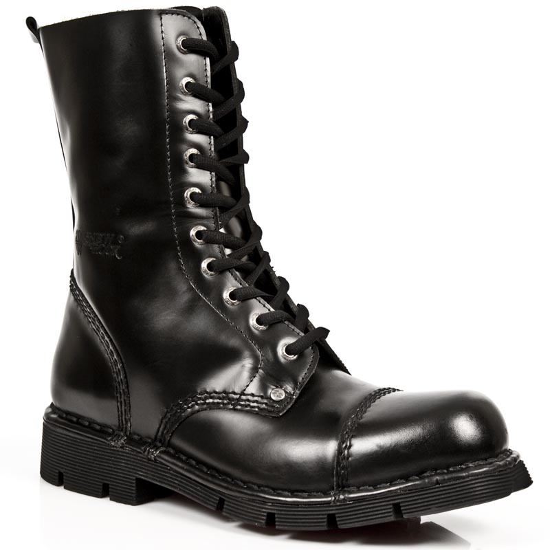 black leather boots w laces