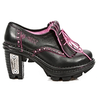 Black Leather Shoes w Pink Trim