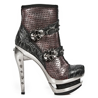 Black Leather Heels w Dark Spikes & Skulls