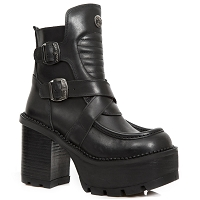 Black Leather Ladies 70's Era boots w 4
