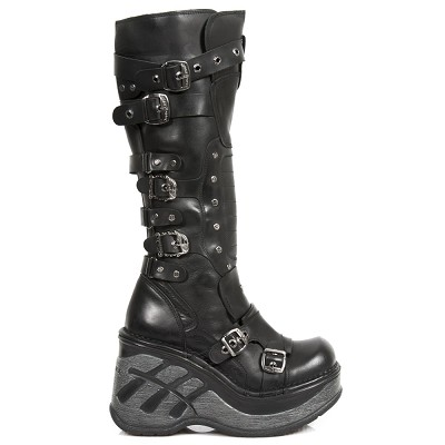 Black Leather knee high goth boots w 4 Buckles & 2 Flaming Skull buckles to adjust for comfort and fit. Zip on inner leg.